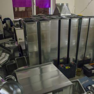 Монтаж системы вентиляции в суши-пиццерию «Family» компанией «Квєнто»